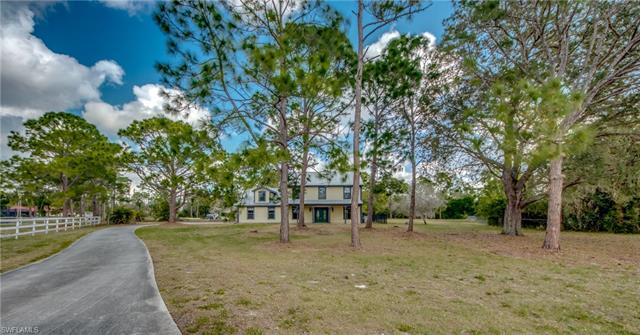 15981 Country Ct
