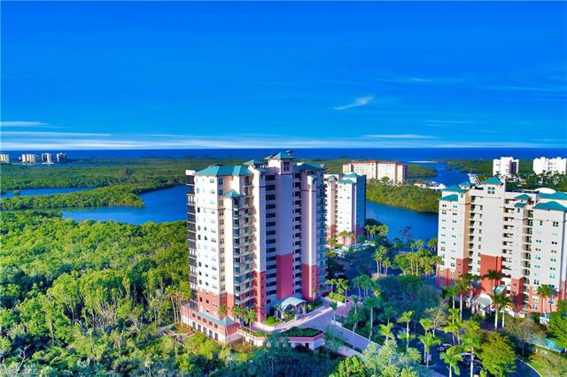 425 Cove Tower Dr 304