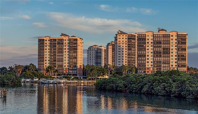 425 Cove Tower Dr 604