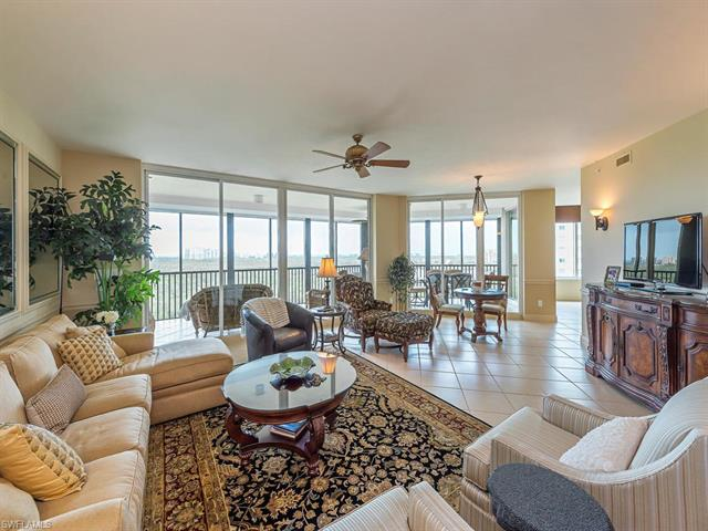 445 Cove Tower Dr 1003