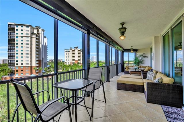 445 Cove Tower Dr 704
