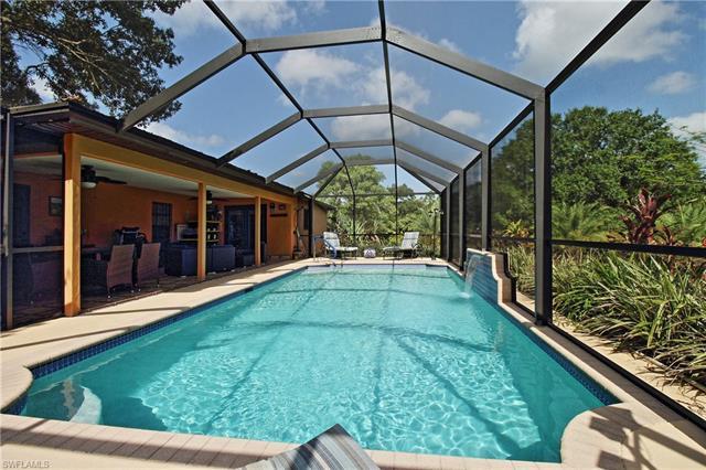 6560 Everglades Blvd N