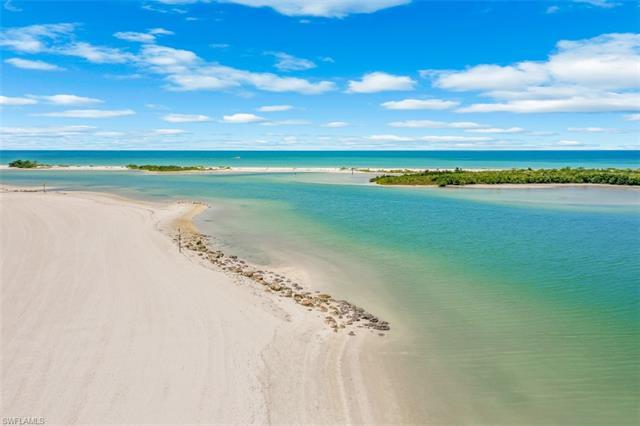 158 Beach Dr