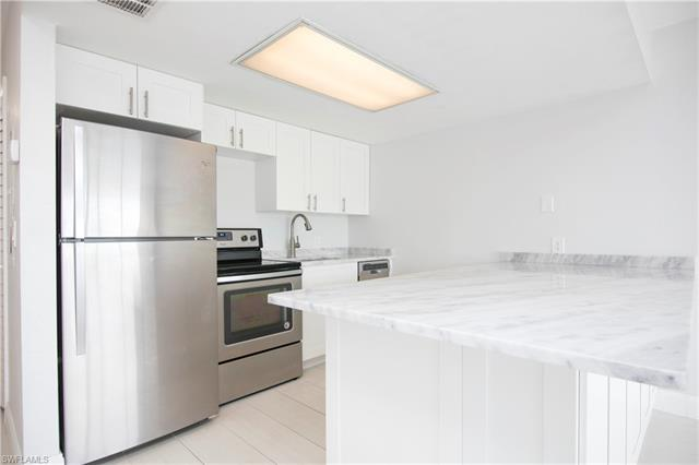 260 Southbay Dr 102